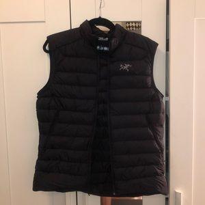 Arcteryx Black Puffer Vest Size Medium